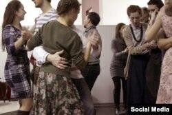 Навагодняя ноч традыцыйных танцаў цягнулся да шостай раніцы (Фота з суполкі vk.com/narod_tancy)