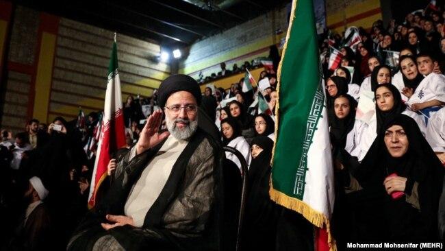 ابراهیم رئیسی در جمع حامیانش در تهران