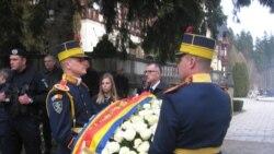 Pe străzile din Sinaia - funeraliile Regelui Mihai