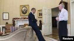 Барак Обама бо Ҷон Бреннан