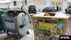 Медицински отпад во обични контејнери, секојдневие во македонските градови