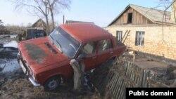 Последствия наводнения в Карагандинской области. 31 марта 2014 года. Фото из Twitter-аккаунта агентства Bnews.kz.