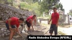 """5. Međunarodni ljetni kamp """"Mladi i naslijeđe - Ćuprija 2010."""" Fotografije uz tekst: Tina Jelin"""