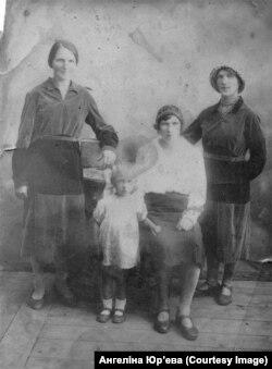 Сёстры Іўковы