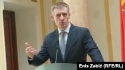 Шефот на црногорската дипломатија Игор Лукшиќ.