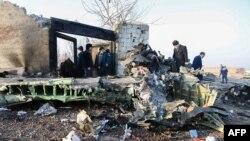За словами прессекретаря міністерства транспорту Ірану Гасема Бініаза, на борту літака, який прямував до Києва, перебували 167 пасажирів та дев'ять членів екіпажу