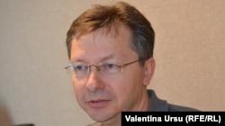 Veaceslav Negruța, în studioul Europei Libere de la Chișinău