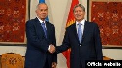 Президенттер Ислам Каримов менен Алмазбек Атамбаев, Бишкек, 12-сентябрь, 2013.