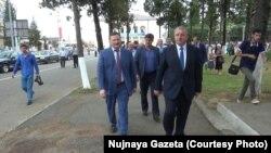 Вице-премьер Беслан Эшба и премьер-министр Беслан Барциц