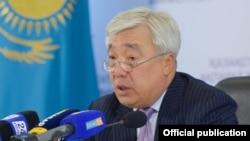 Ерлан Ыдырысов, Қазақстанның Ұлыбританиядағы елшісі.