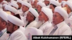 Кыргызстандагы диний жыйындардын бири. (Архивдик сүрөт).