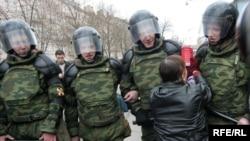 بیش از نه هزار پلیس ضد شورش مانع از برگزاری تظاهرات ضد دولتی شدند