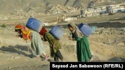د افغان ښځو شبکه: ګڼې نجونې له زدهکړو بېبرخې دي.