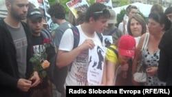 Протест против полициска бруталност во Скопје на 8 јуни 2011.