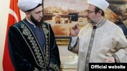 Камиль Самигуллин с главой Управления по делам религий Турции Мехметом Гёрмезом, февраль 2015 год