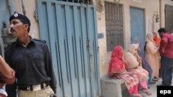 Lahorda 16 yaşlı qızı anası burada yandırıb
