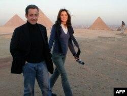 Тодішній президент Франції Ніколя Саркозі і Карла Бруні
