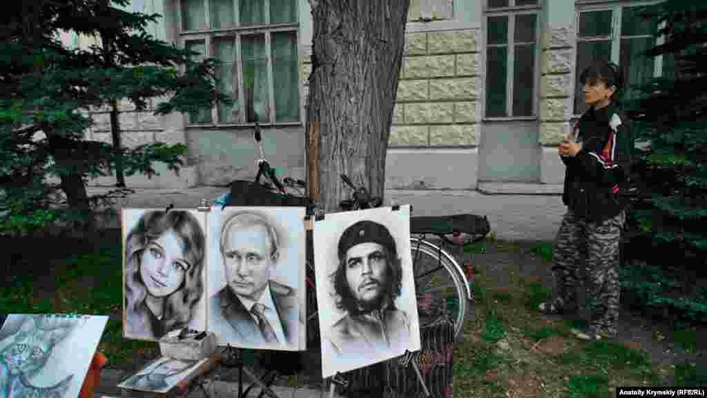 Местная портретистка Оксана и ее работы на продажу