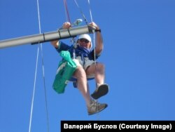 Валерий Буслов на своей лодке