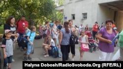 Діти переселенців вирушають на відпочинок у Карпати, Івано-Франківськ, 13 серпня 2015 року