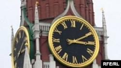 Russia -- Kremlin, big clock on Spaskaya tower, Moscow, undated