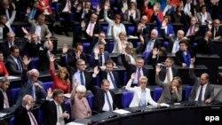 Гласањето за легализација на истополовиот брак во германскиот Бундестаг.