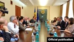 Delegația Congresului American la întrevederile cu premierul Iurie Leancă și membri ai guvernului