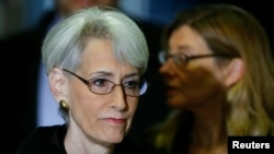 "U.S. Under Secretary of State for Political Affairs Wendy Sherman has called on Iran to make the ""right choice"" as nuclear talk deadline looms."