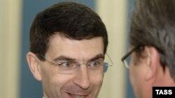 Знающие люди помогут Игорю Щеголеву со связью