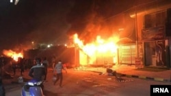 کنسولگری ایران در نجف هفته گذشته نیز مورد حمله معترضان عراقی قرار گرفت.