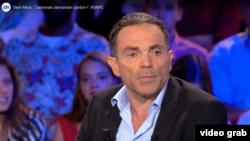 "Yann Moix sîmbăta trecută pe platoul emisiunii ""On n'est pas couché"", TV France 2"