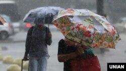 Протягом доби 14 серпня на заході країни будуть значні дощі, в окремих районах шквали 25-28 метрів за секунду