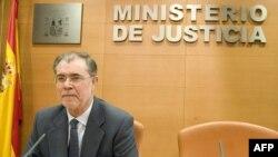 Министр юстиции Испании забыл о законе