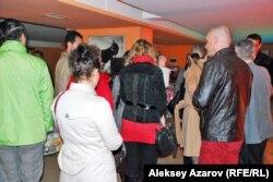 Зрители после показа на фестивале польского кино. Алматы.