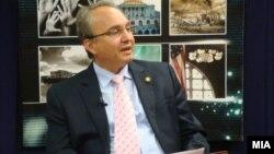 Македонски амбасадор во САД Зоран Јолевски зборува на Руми форумот во Вашингтон.