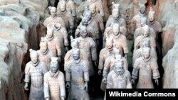 Insipirirani uzorima iz stare Grčke: Ratnici od terakote