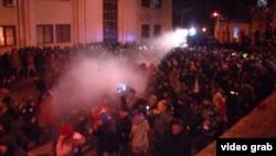 Грузин оппозициясы парламенттин оозун мындан ары деле торой берерин билдирүүдө.