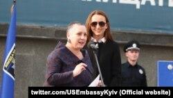 В ході візиту до України Кірстен Медісон зустрілася з представниками правоохоронних структур