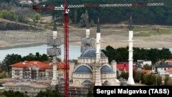 Строительство Соборной мечети в Симферополе, архивное фото