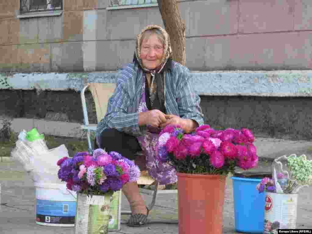 Flori în ajutorul sărăciei...