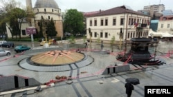Изграба на споменикот Филип Втори во Битола