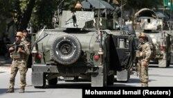 Афганські силовики під час атак в Кабулі, 9 травня 2018 року