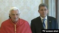 Papa Benedict al XVI-lea și președintele Mihai Ghimpu