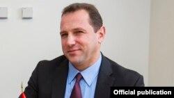 Министр по чрезвычайным ситуациям Армении Давид Тоноян (архив)