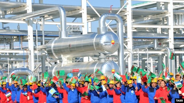 The opening ceremony of a Chinese-bound pipeline in Samandepe, Turkmenistan.