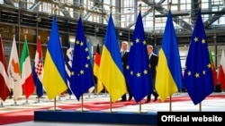 22 червня президент Європейської ради Дональд Туск повідомив, що лідери ЄС на саміті у Брюсселі домовилися продовжити економічні санкції проти Росії через невиконання нею Мінських угод