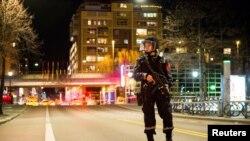Полиция в Осло блокировала квартал, где 8 апреля было найдено устройство, похожее на бомбу