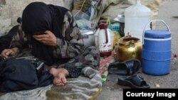Tehranda daxmada yaşayan qadın
