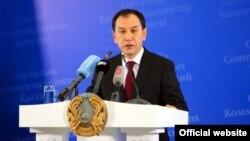 Бывший аким Карагандинской области Бауржан Абдишев. 25 октября 2013 года.