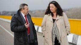 Ambasadorul ucrainean Andrei Deşciţa şi şefa Misiunii OSCE, ambasadoarea Jennifer Brush